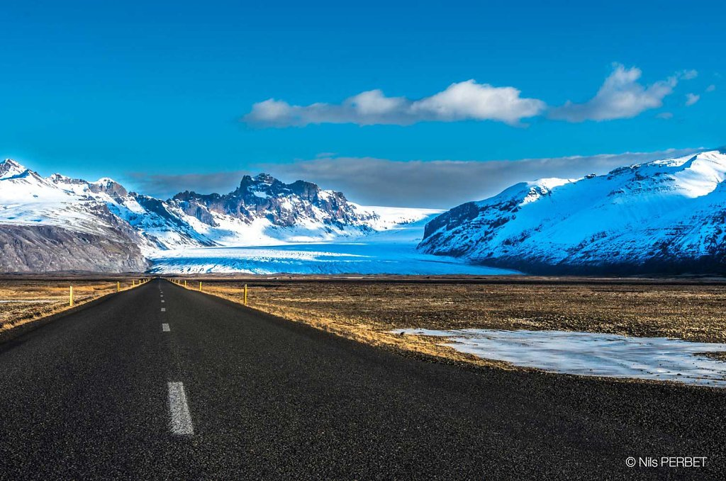 Road to Skaftafellsjökull glacier